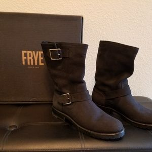 FRYE Womens Natalie Engineer Mid-Boot